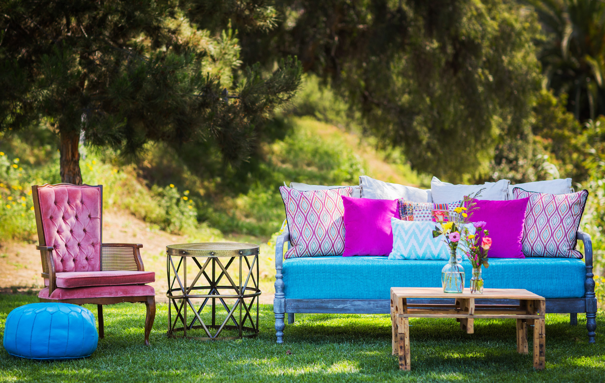 Los Angeles Wedding Photography Colorful Sofa Vintage Decor Rustic 14